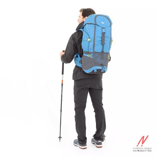 Аренда рюкзаков 60л. вид на спине